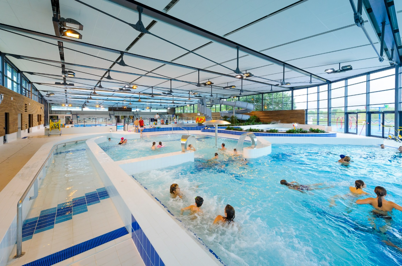 Centre aquatique intercommunal la vague paris saclay for Piscine du lac a tours